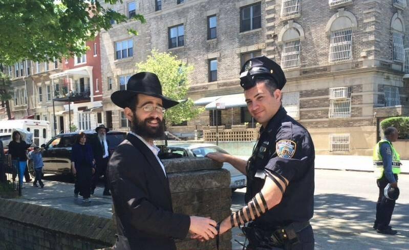 NYPD Tefillin