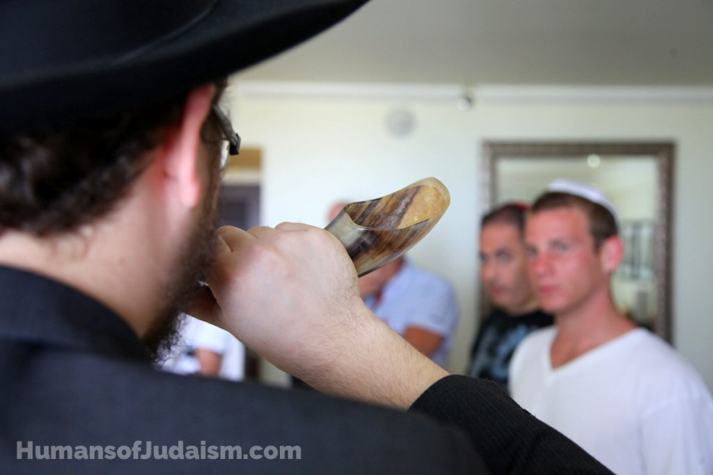 bentzi-sasson-shofar-humans-of-judaism